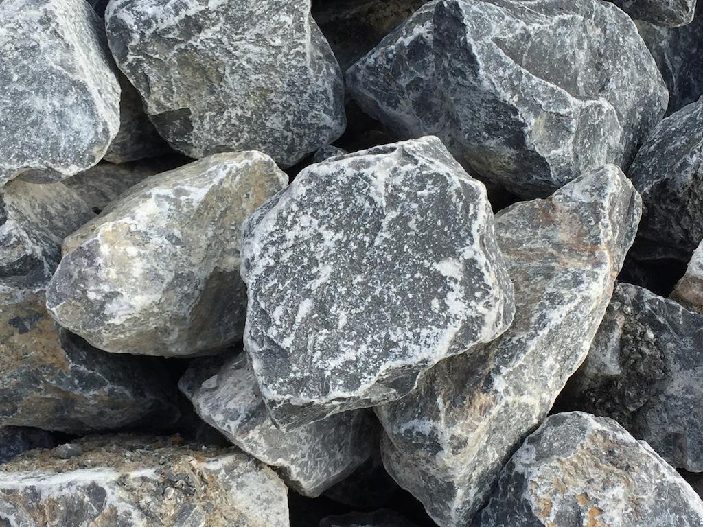 Ice blue steine